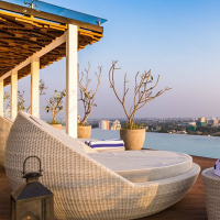 Jetwing-colombo-seven-rooftop-pool-866x487